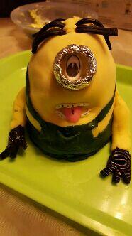 Der kleine Minion Kuchen