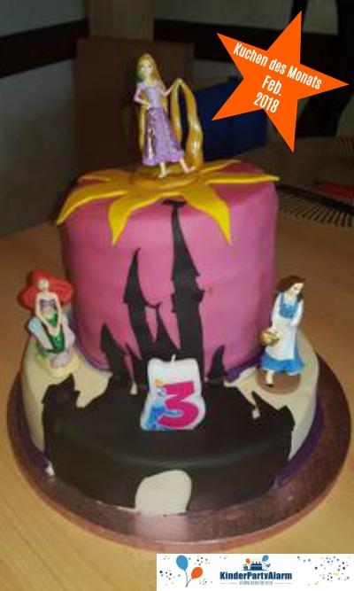 Kuchen beim Prinzessin Kindergeburtstag #kindergeburtstag #geburtstag  #mottoparty #kinderpartyalarm #geburtstagsideen #kuchen