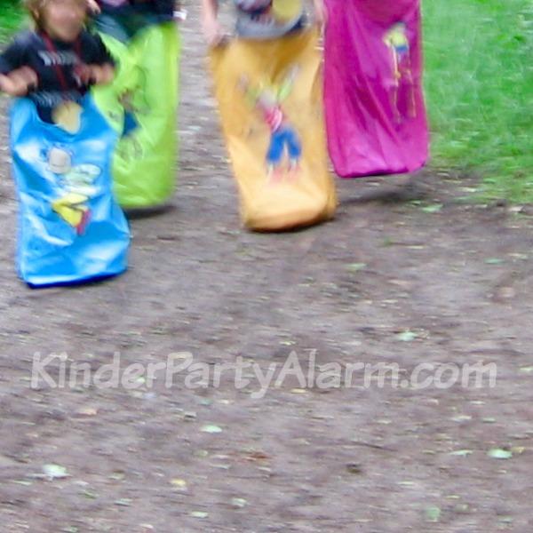 Boxenstopp beim Cars Kindergeburtstag #kindergeburtstag #geburtstag  #mottoparty #kinderpartyalarm  #geburtstagsideen