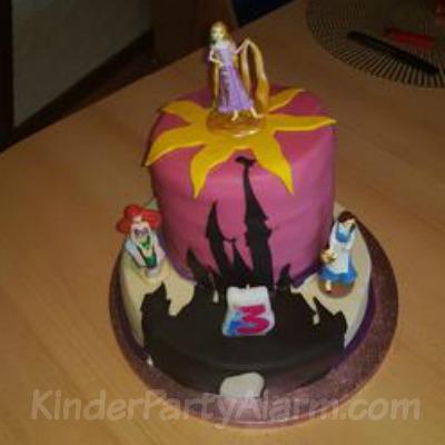 Disney Princess Torte, Disney Geburtstag #kindergeburtstag #geburtstag #mottoparty #kinderpartyalarm #geburtstagsideen #kuchen #dineyprincess #geburtstagskuchen