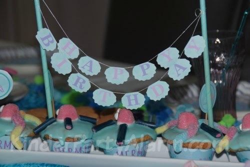 Tischdeko beim Meerjungfrau Geburtstag #kindergeburtstag #geburtstag  #mottoparty #kinderpartyalarm #dekoration #meerjungfrau #kids #printables #diy