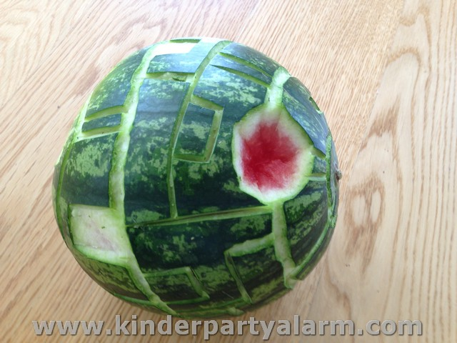 Star Wars Kindergeburtstag Essen Melone Todesstern #kindergeburtstag #geburtstag  #mottoparty #kinderpartyalarm #starwarsparty