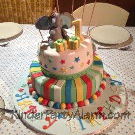 Bunte Geburtstagstorte, Erster Geburtstag Torte, mehrstöckige Torte