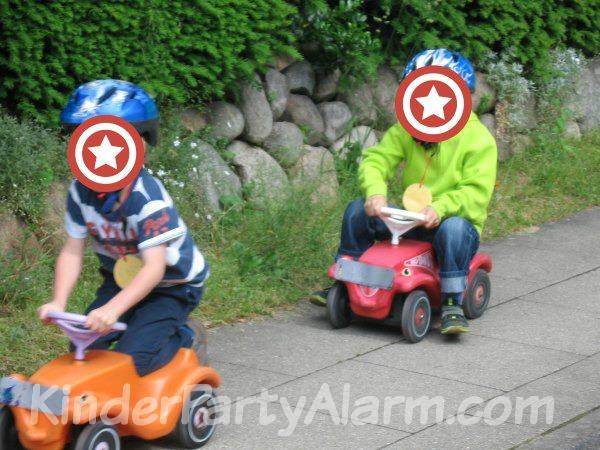 Bobby Car Rennen beim Cars Kindergeburtstag #kindergeburtstag #geburtstag  #mottoparty #kinderpartyalarm  #geburtstagsideen